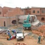 Chưa làm thủ tục sang tên đất có được xây nhà không?
