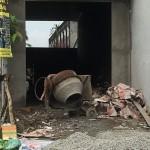 Xây nhà trên hẻm công cộng – Chính quyền cấp phép cho dân?