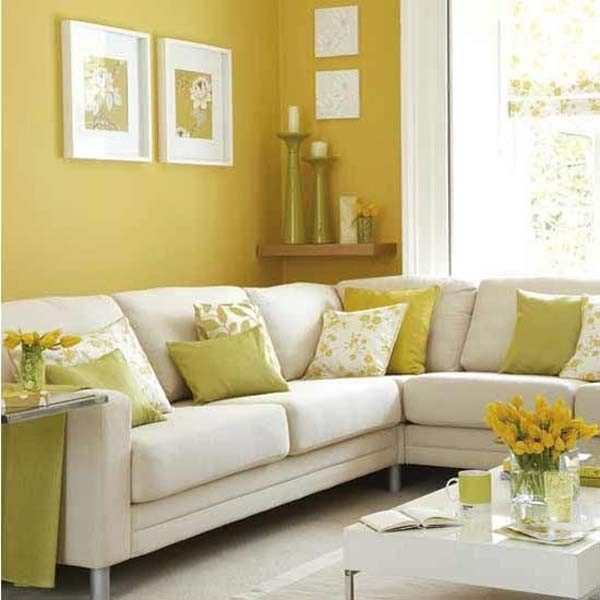 Lựa chọn rèm cửa, vải bọc đồ nội thất sáng màu sẽ góp phần làm không gian nhà bạn bừng sáng, rộng rãi hơn.
